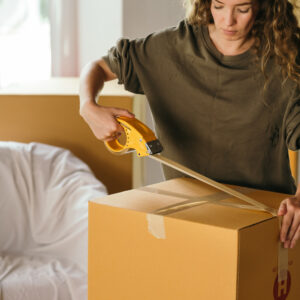 מה הם שירותי הובלת דירה משלימים ושירותי אריזה?